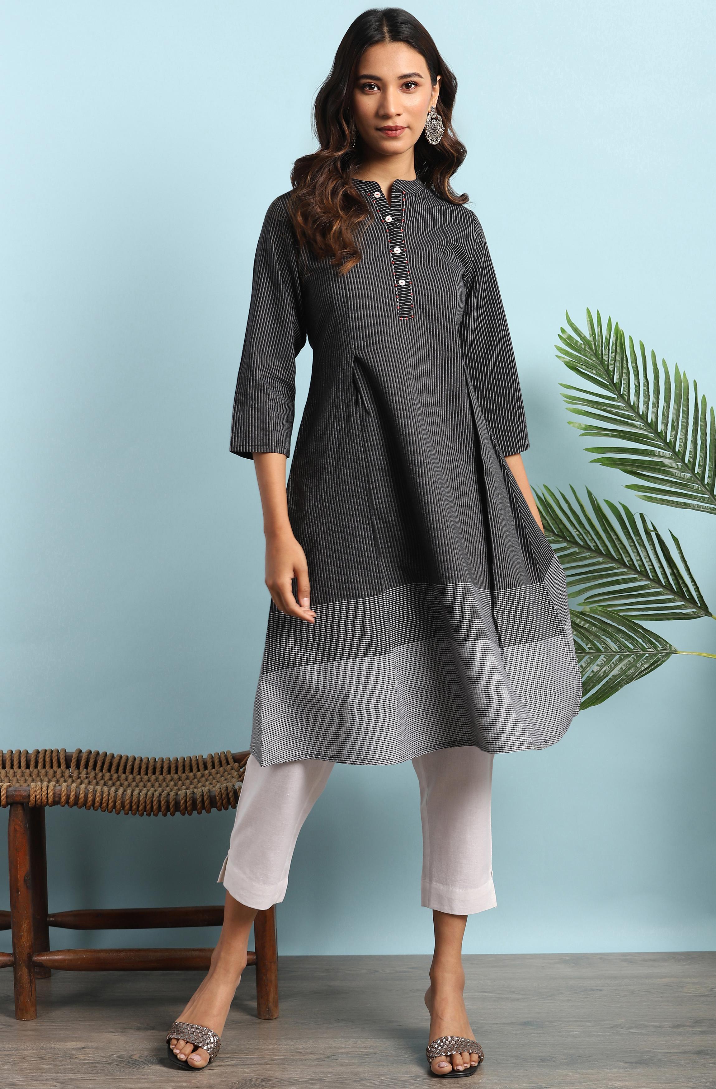 Janasya | Janasya Women's Black Cotton Kurta With Pocket