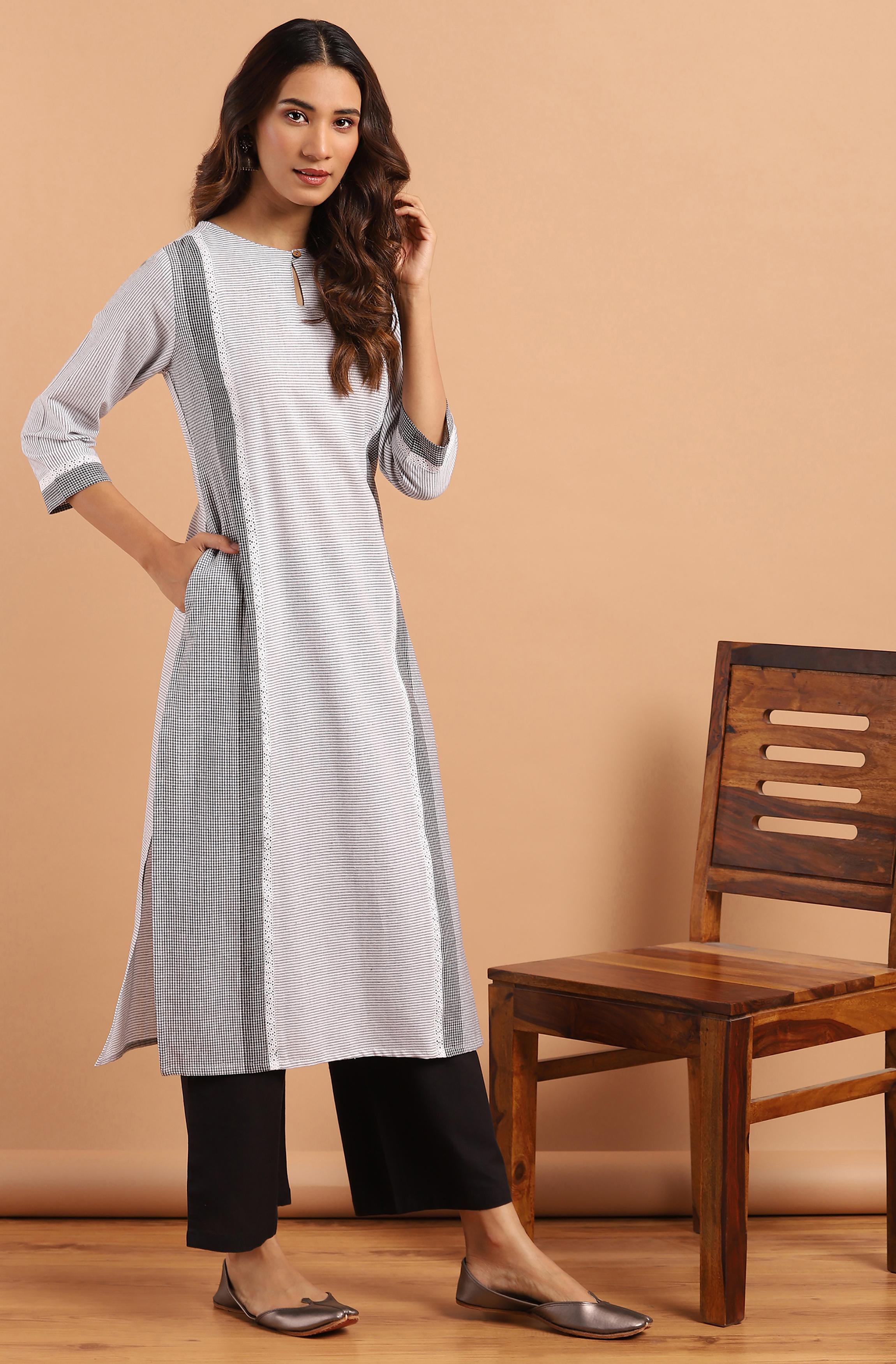 Janasya | Janasya Women's White Cotton Kurta With Pant