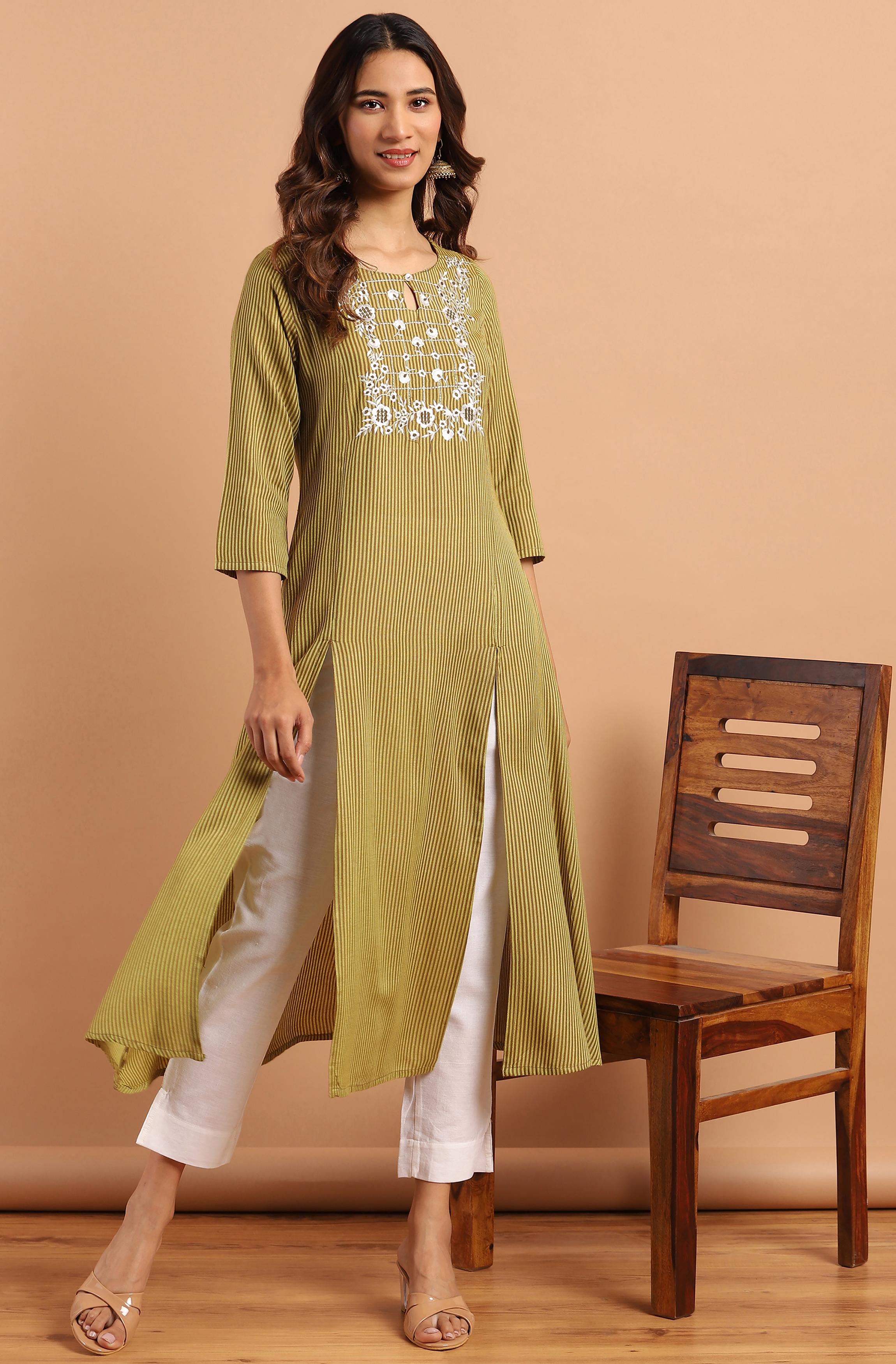 Janasya | Janasya Women's Green Rayon Kurta With Pant