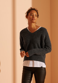 Superdry   ISABELLA SLOUCH VEE