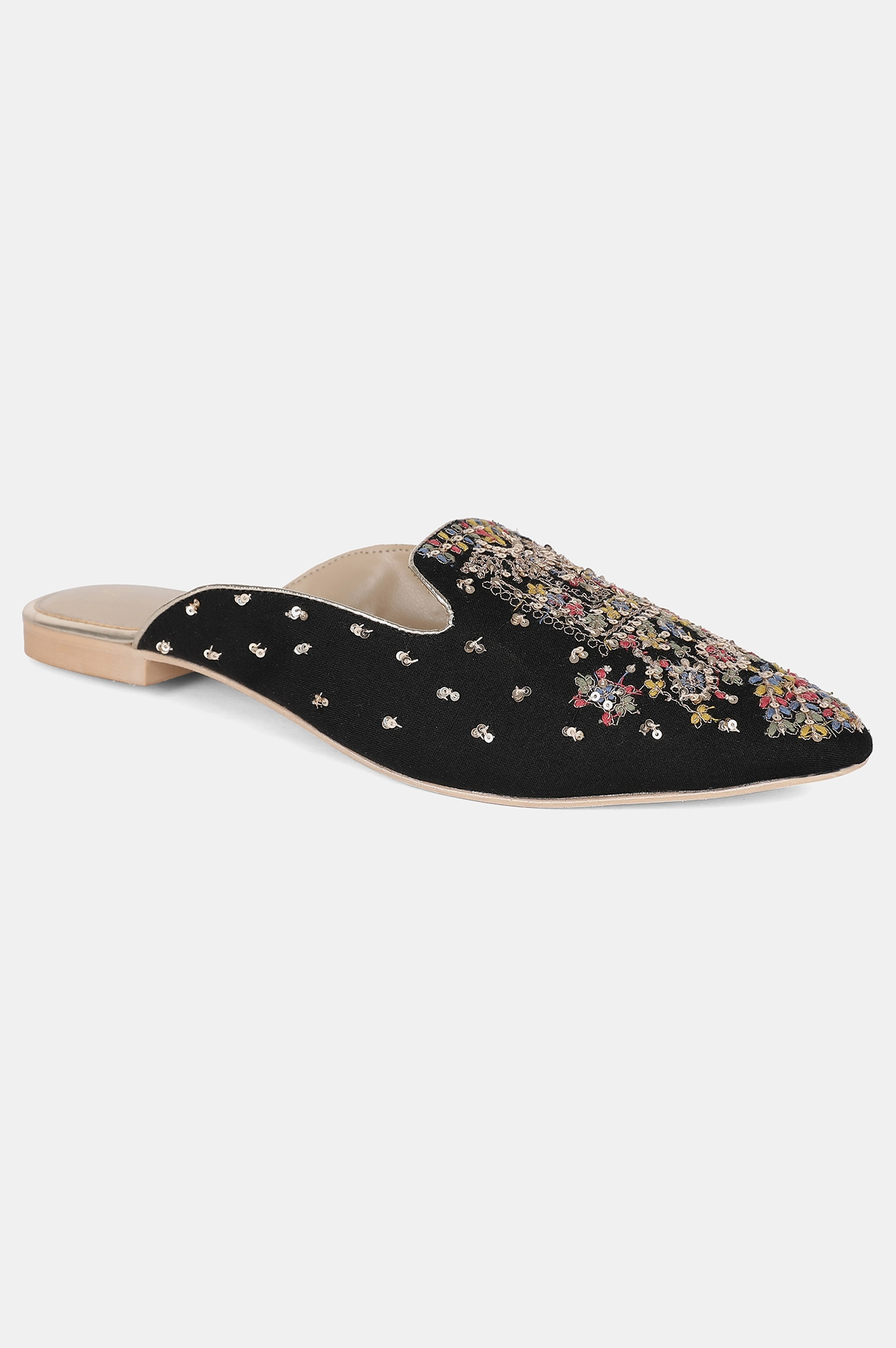 W | Black Pointed Toe Embroidered Flat