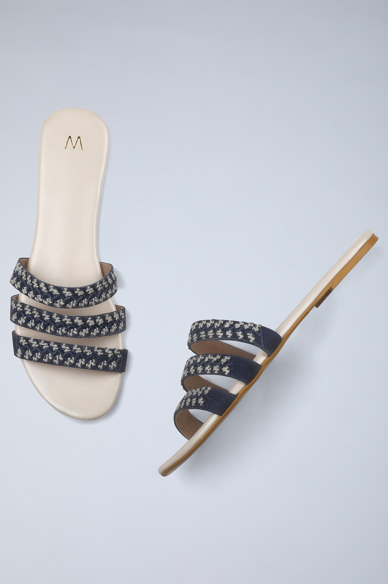 W | Round Toe Embroidered Flat