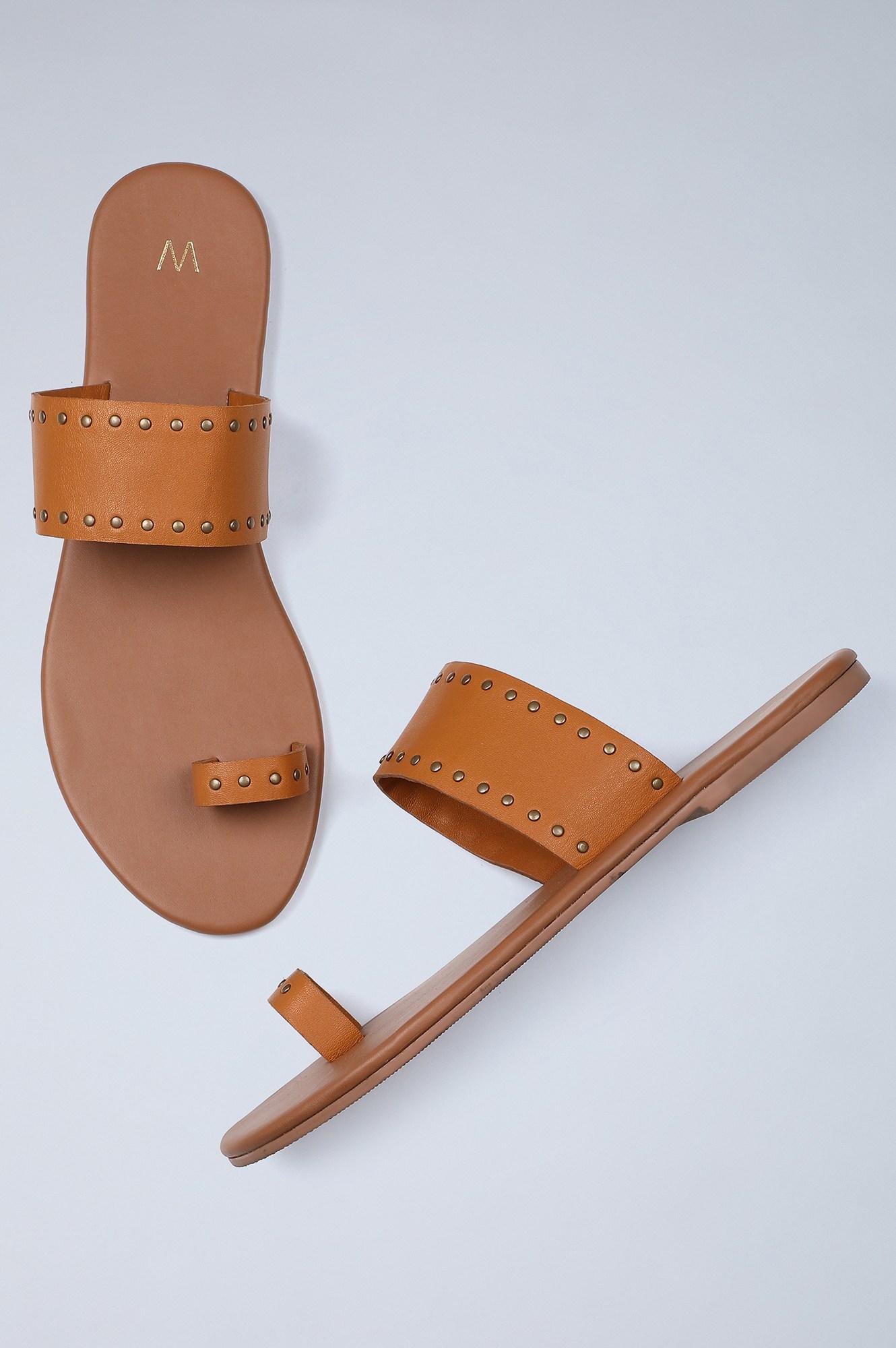 W | Almond Toe Solid Flat