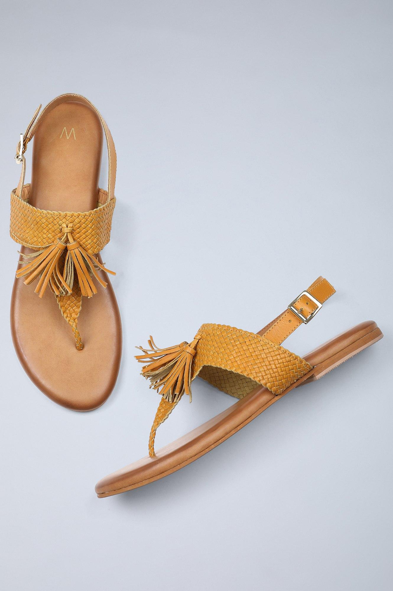 W | Almond Toe Woven Design Flat