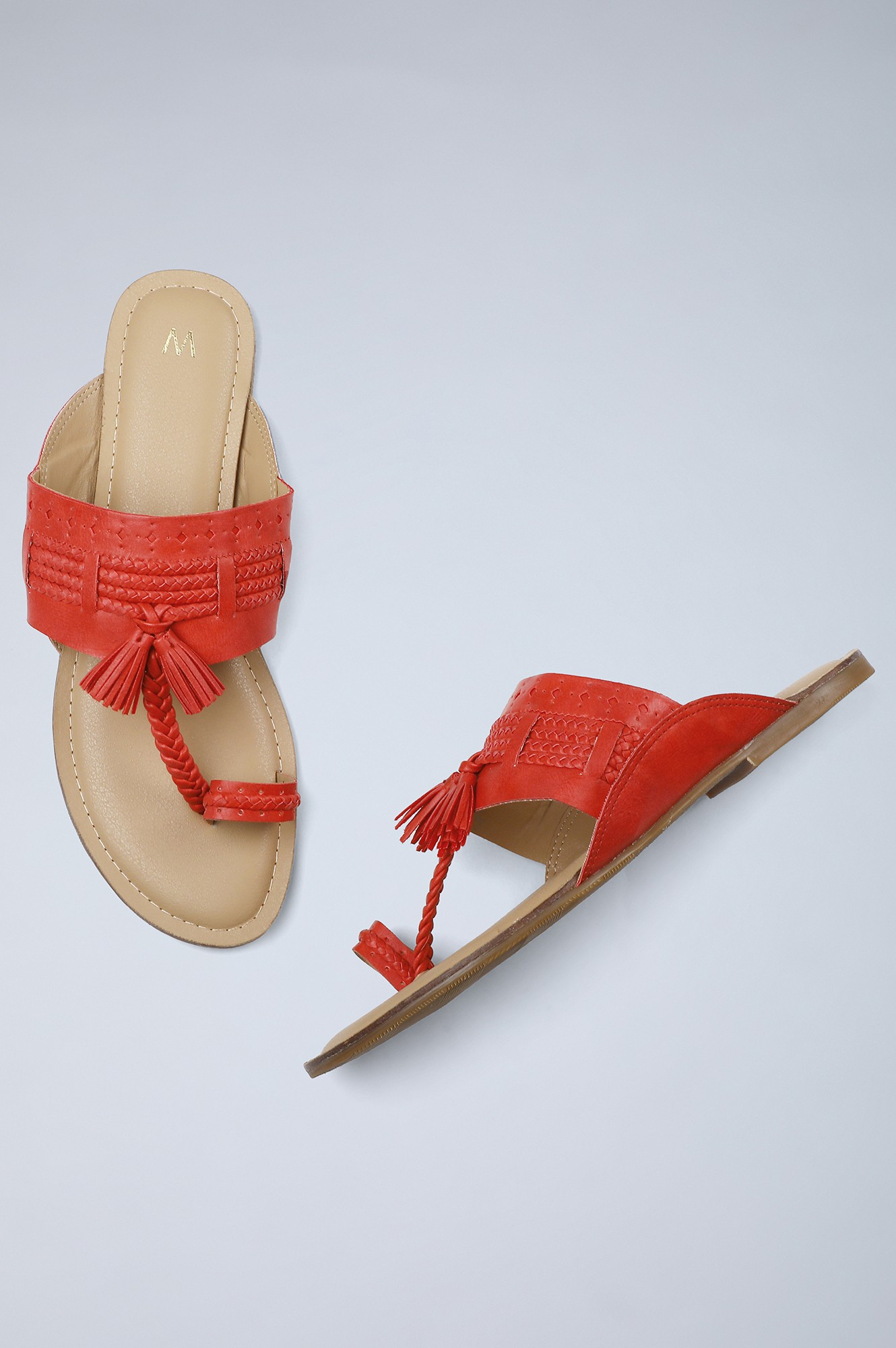 W   Round Toe Solid Flat