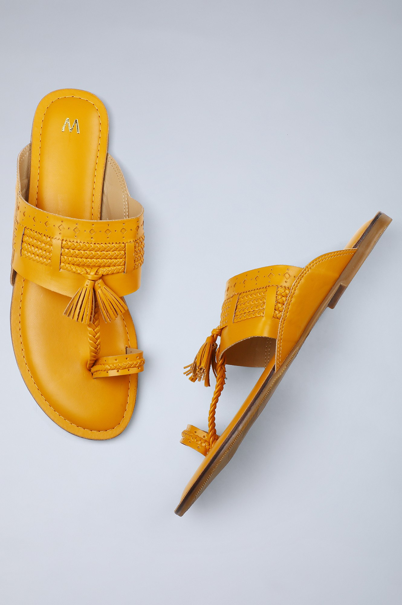 W | Round Toe Solid Flat