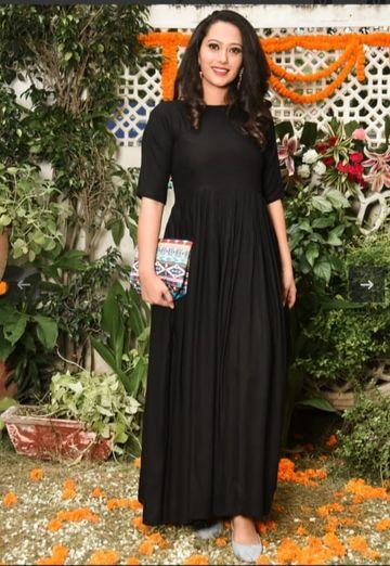 GAYRAA | Gayraa Women's rayon black solid anarkali kurta