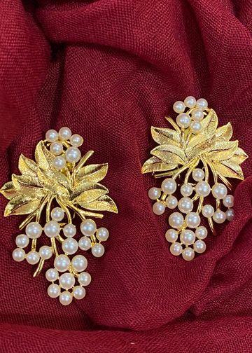 Swabhimann Jwellery   Swabhimann Jwellery Grapevine Bunch Studs Gold