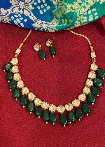 Swabhimann Jwellery | Swabhimann Jwellery Shereena Kundan Emerald Drop Necklace