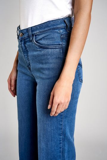 AND | Betty Fit Anf Flare Jeans