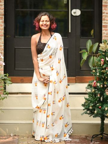 SATIMA | Satima Woman'S White Linen  Printed  Saree
