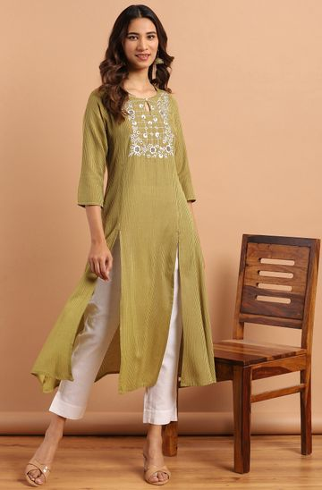 Janasya | Janasya Women's Green Rayon Kurta With Pant