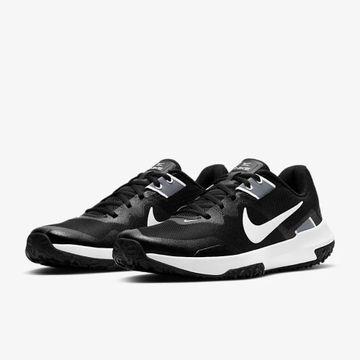 Nike | VARSITY COMPETE 3