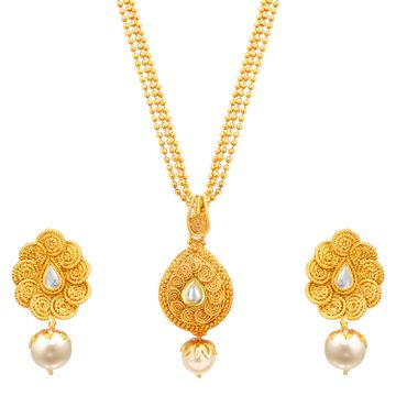 SUKKHI | Sukkhi Fine Pearl Gold Plated Kundan Pendant Set For Women