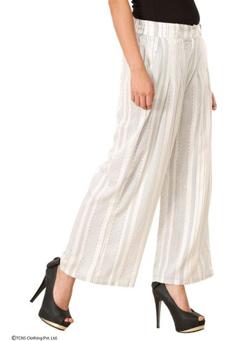 W | W Women White Color Pants