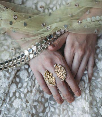 ZARIIN | Meandering Magic Ring